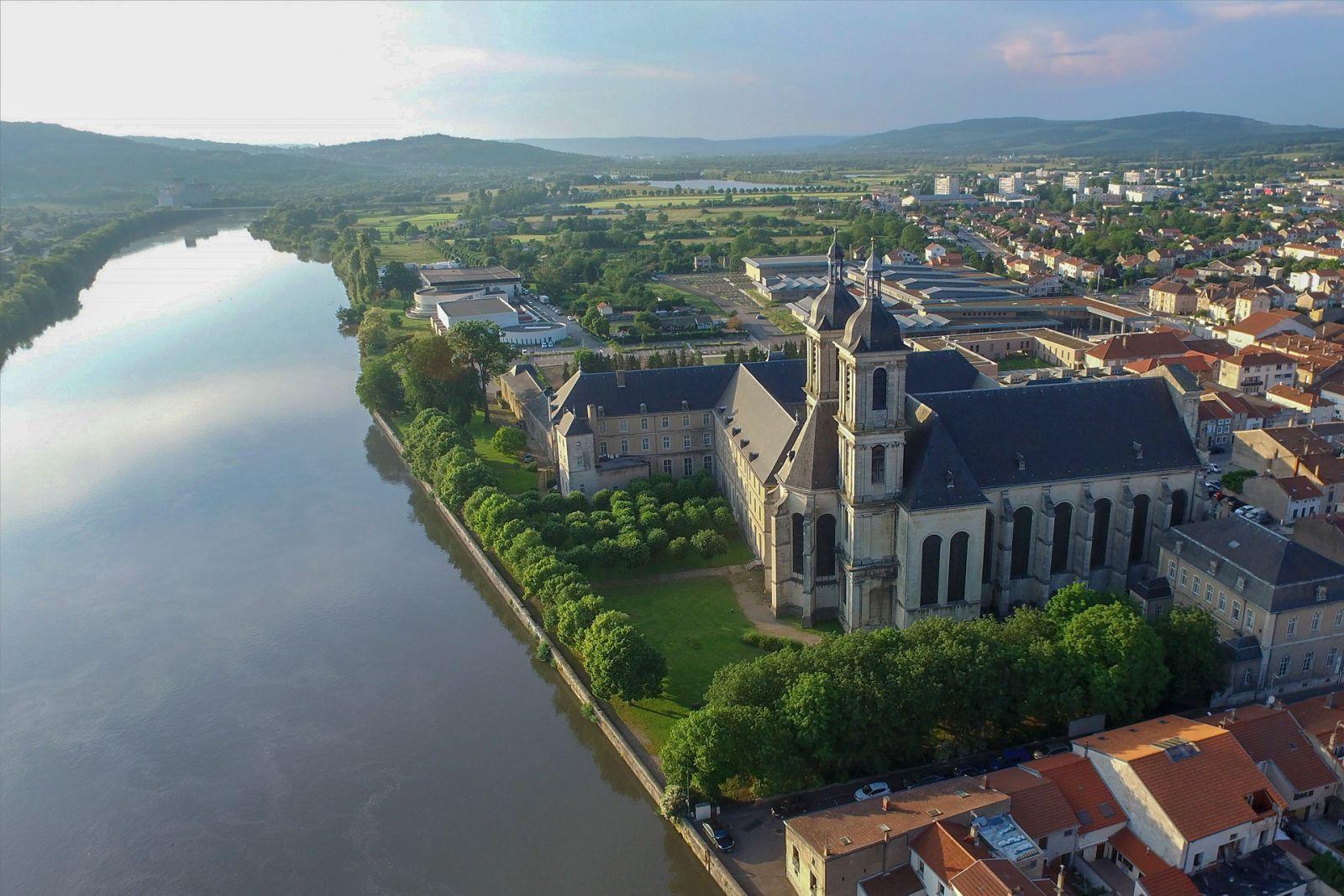 Pont-à-Mousson est le lieu de la prochaine course de canard !